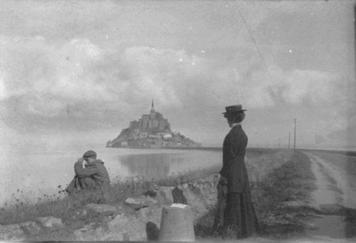 Unattributed • Mont-Saint-Michel, ca 1900 ._n.jpg