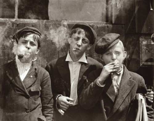 Lewis Wickes Hine Skeeters Branch Newsies 1910 New York.jpg