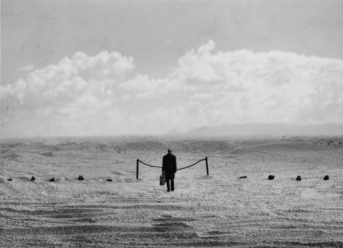 Gilbert Garcin L'interdiction 2000.jpeg