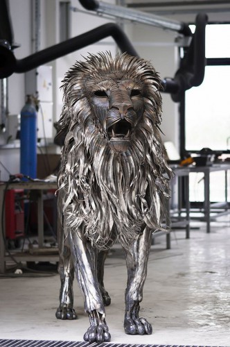 metal-lion-sculpture51.jpg