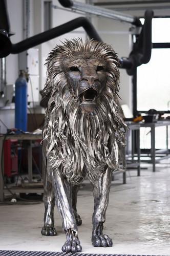 metal-lion-sculpture51.jpg