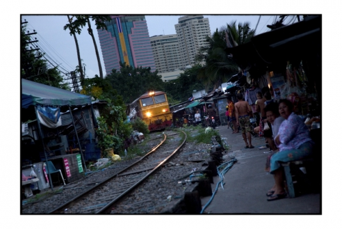 Simon Kolton people from the railway bangkok1.jpg