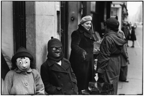 elliott erwitt paris 1949.jpg