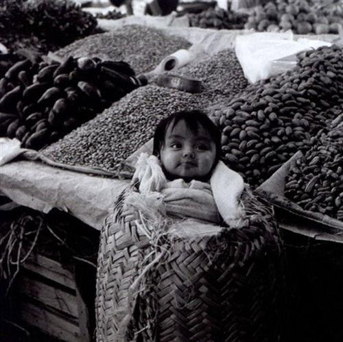 Mariana Yampolsky Niòo taco, 1979.jpg