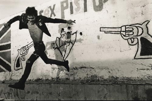 pablo ortiz monasterio volando bajo Mexico city 1989-.jpg