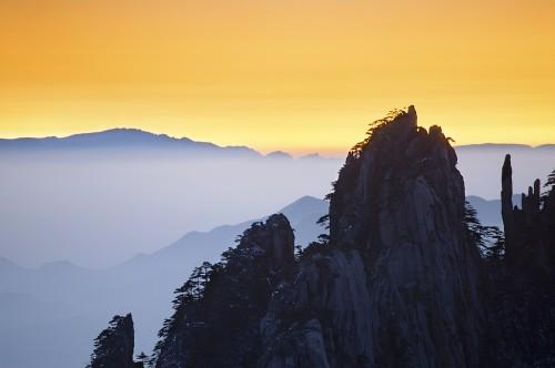 christian ortiz yellow mountains chine.jpg