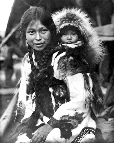 C.W. Scarborough King Island woman and child. 1922.png