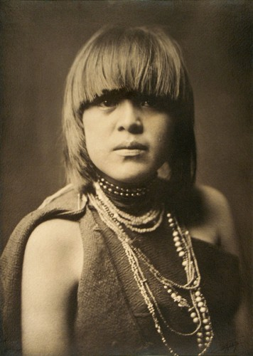 edward curtis TheWomenCollection_PoviTamu.jpg