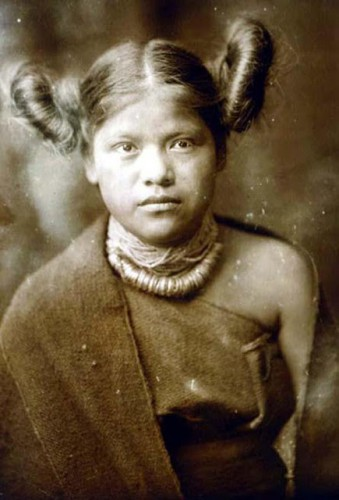 Edward J. Curtis Hopi Indian Girl.jpg