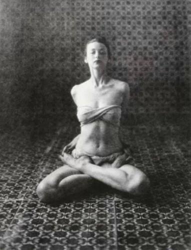 Irving Penn, Dorian Leigh - Yoga, 1946.jpg