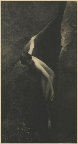 anne-brigman_the cleft of the Rock 1912.jpg