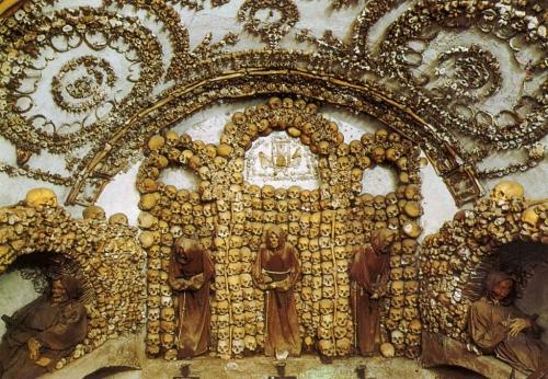 Santa Maria della Concezione Crypts Rome Ir2f_b.jpg