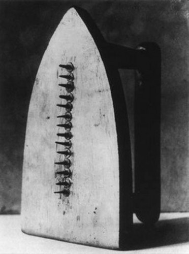 Man ray The Gift 1949_n.jpg