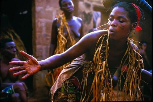 Rosemary Sheel Voodoo Dance in Togo_n.jpg